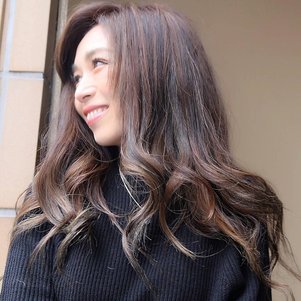 グラデーションカラー ハイライト 外国人風 ナチュラルヘアスタイルや髪型の写真・画像