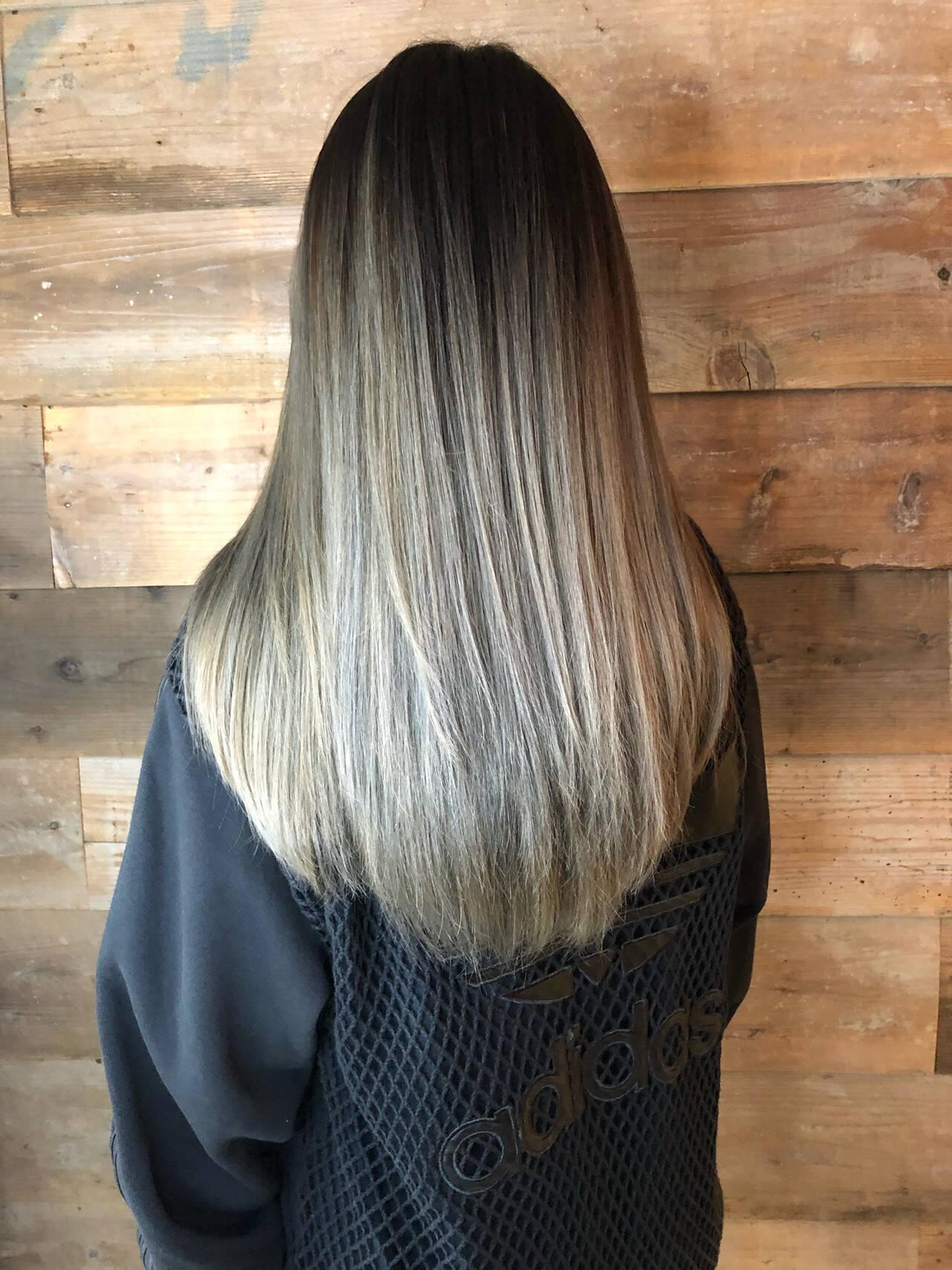 ブリーチカラー ハイライト ストリート グラデーションカラーヘアスタイルや髪型の写真・画像