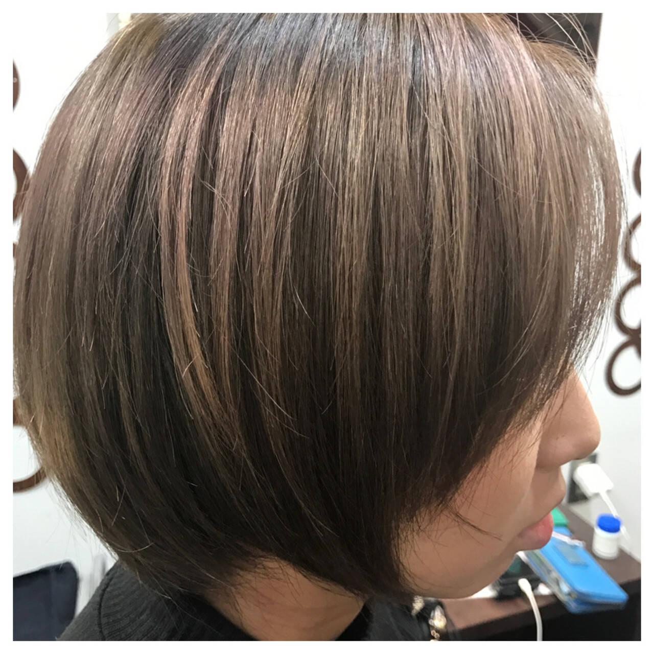 オーガニックアッシュ モード スモーキーアッシュ アッシュヘアスタイルや髪型の写真・画像