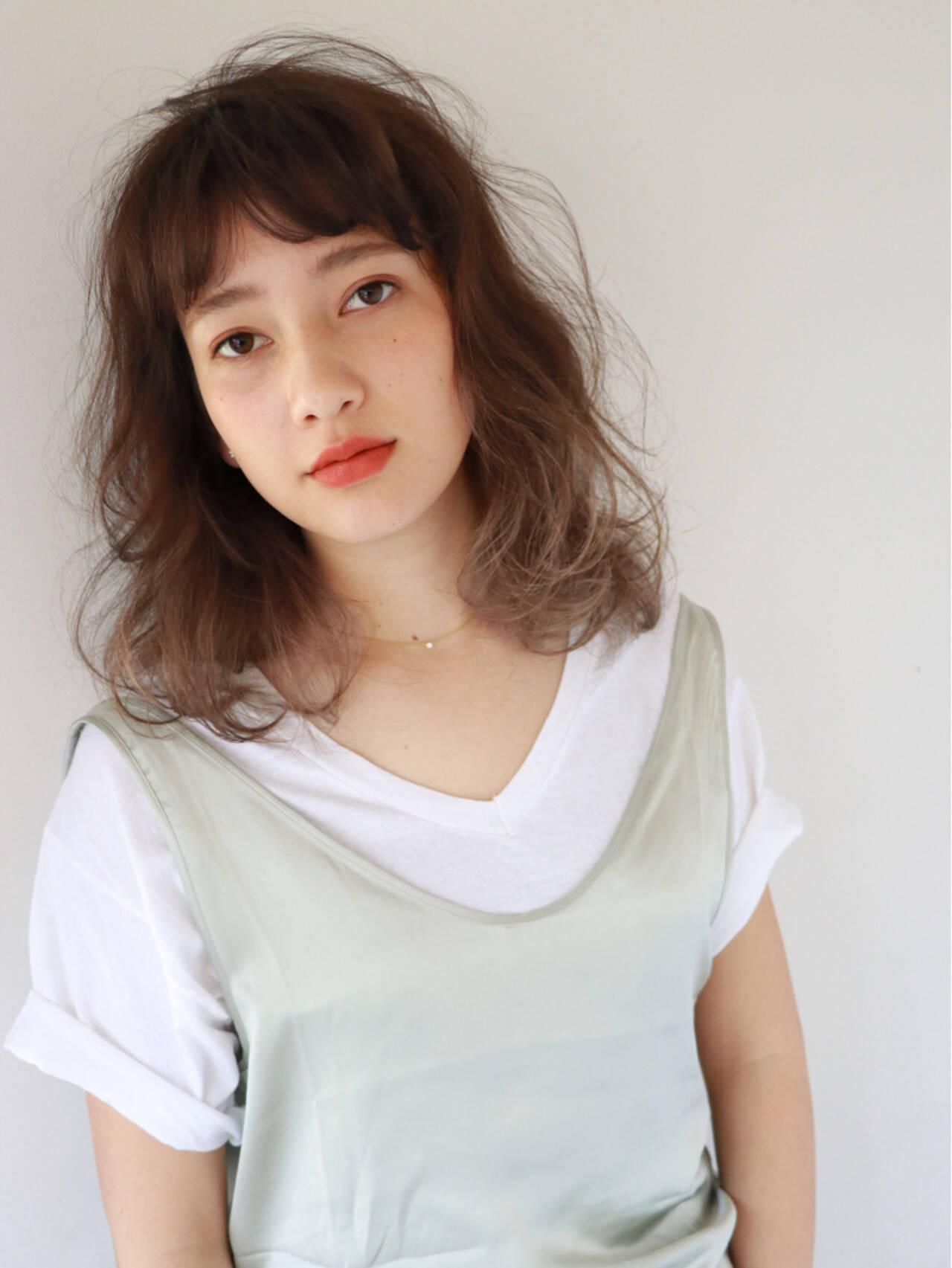 ミディアム ハイライト ニュアンス パーマヘアスタイルや髪型の写真・画像