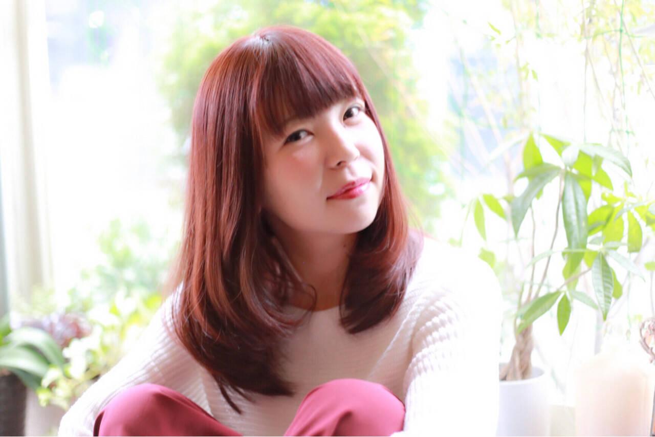 フェミニン かわいい ベリーピンク 重ためヘアスタイルや髪型の写真・画像