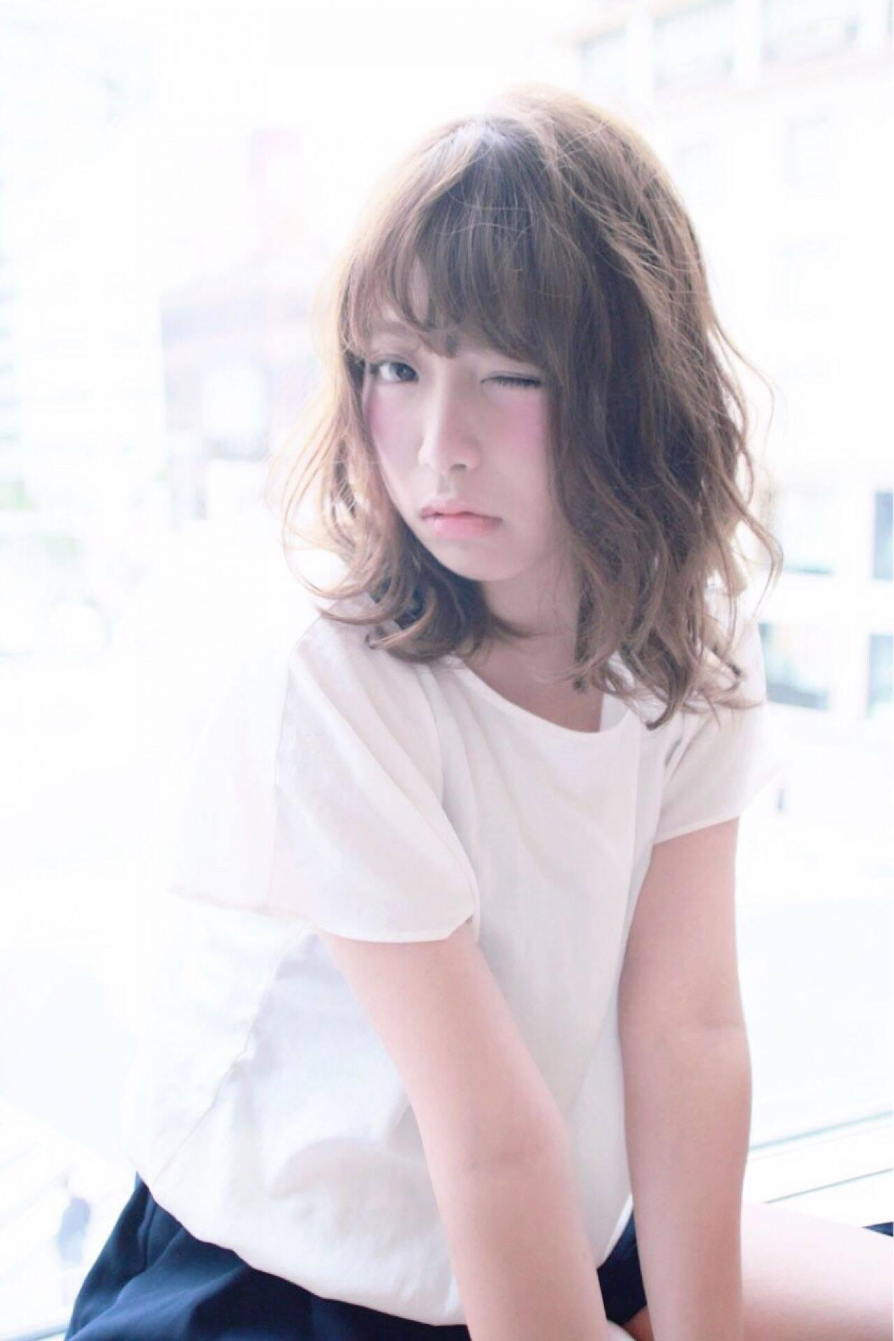 ミディアム ゆるふわ 丸顔 ガーリーヘアスタイルや髪型の写真・画像