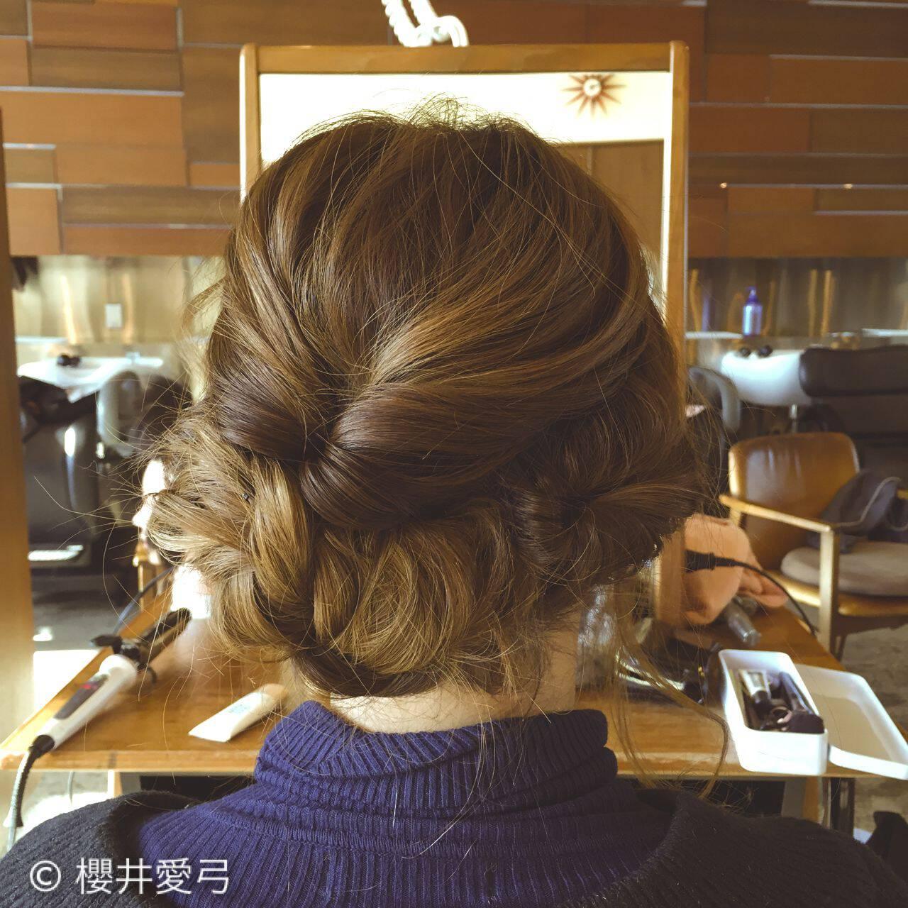 編み込み ロング ヘアアレンジ フェミニンヘアスタイルや髪型の写真・画像