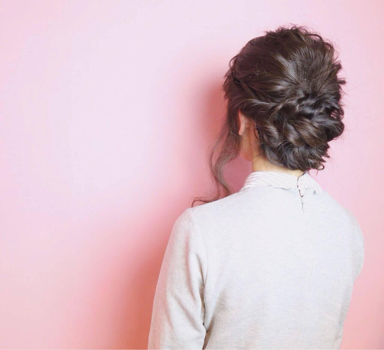 ウェーブ ショート 暗髪 アップスタイルヘアスタイルや髪型の写真・画像