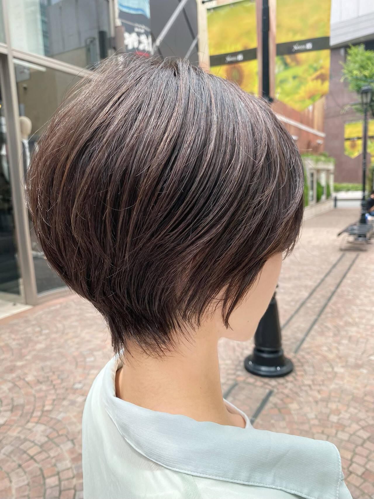 小顔 ナチュラル ハイライト ショートヘアスタイルや髪型の写真・画像