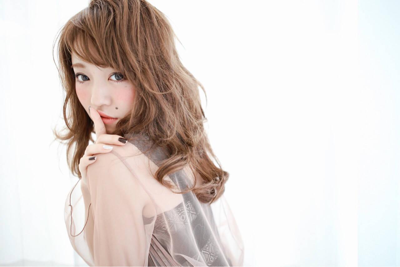 外国人風 大人かわいい セミロング ナチュラルヘアスタイルや髪型の写真・画像