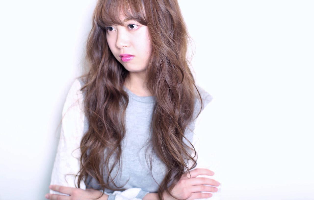 アッシュ 大人かわいい 外国人風 ロングヘアスタイルや髪型の写真・画像