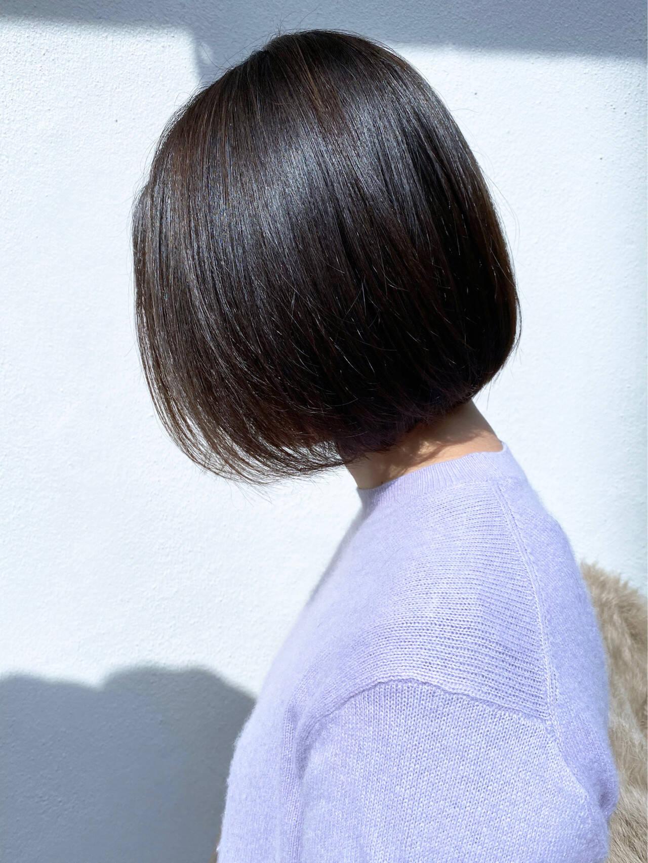 切りっぱなしボブ ナチュラル グレージュ インナーカラーヘアスタイルや髪型の写真・画像