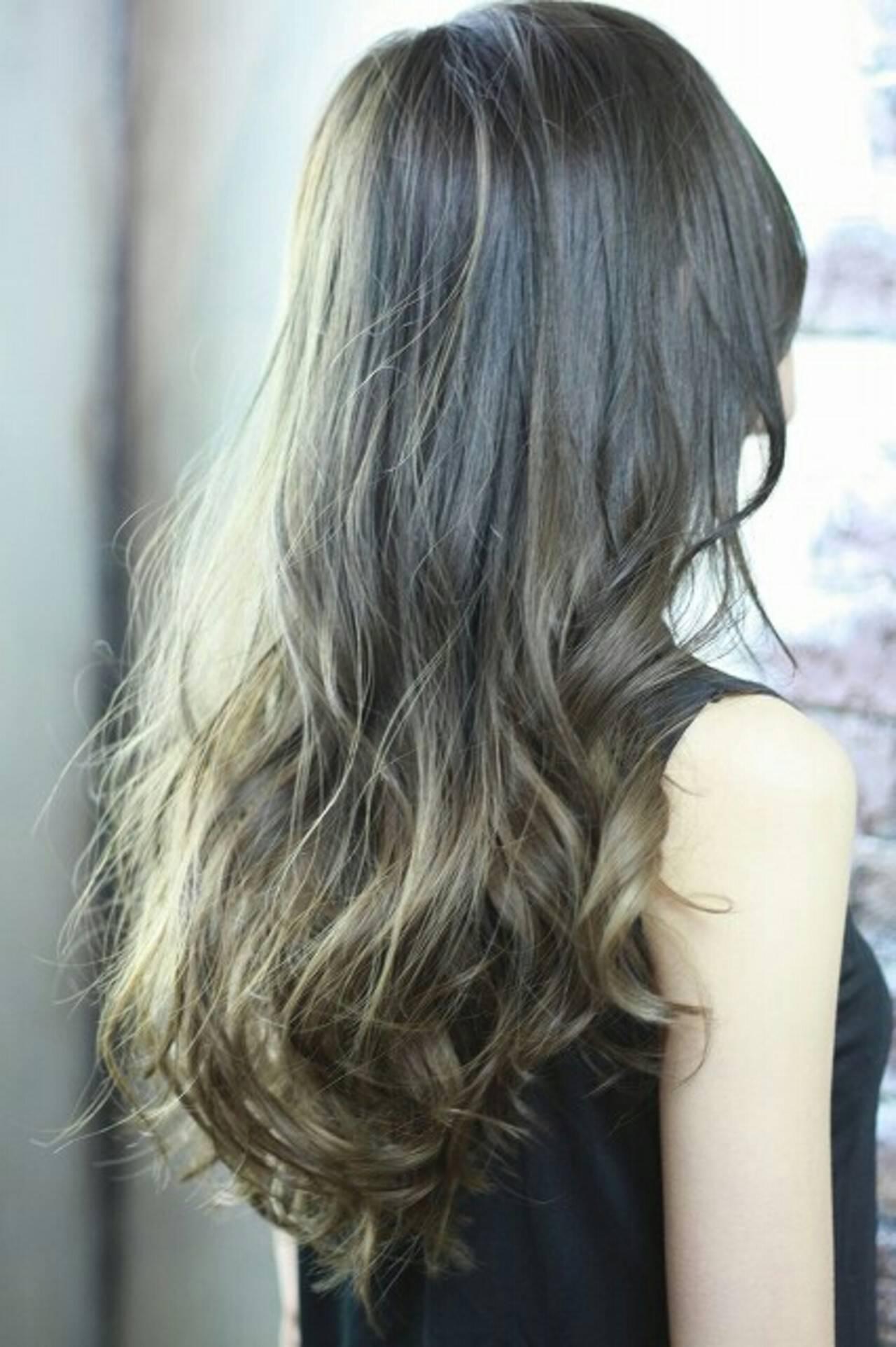 ロング 外国人風 ゆるふわ アッシュヘアスタイルや髪型の写真・画像