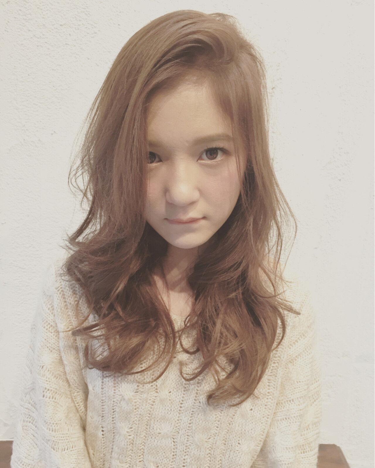 セミロング 大人かわいい 外国人風 ゆるふわヘアスタイルや髪型の写真・画像