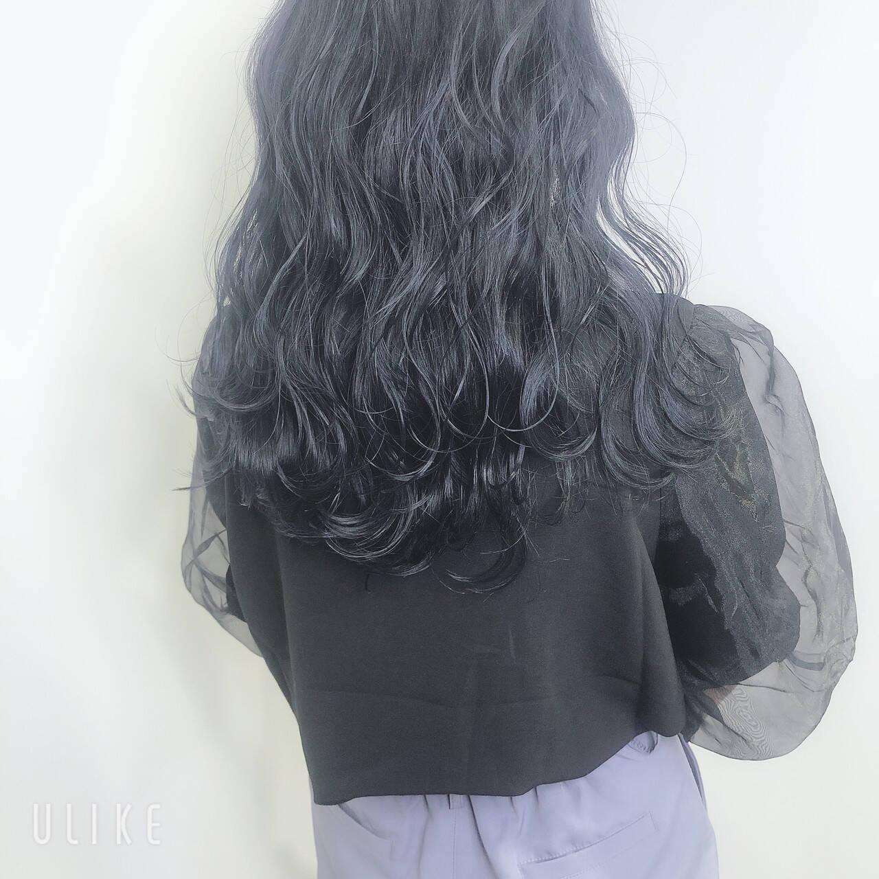 ダークアッシュ 暗髪 ダークカラー ブルージュヘアスタイルや髪型の写真・画像
