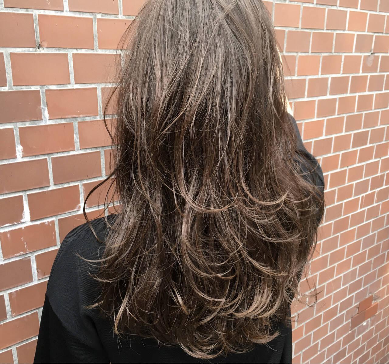 ストリート 外国人風 アッシュ ロングヘアスタイルや髪型の写真・画像