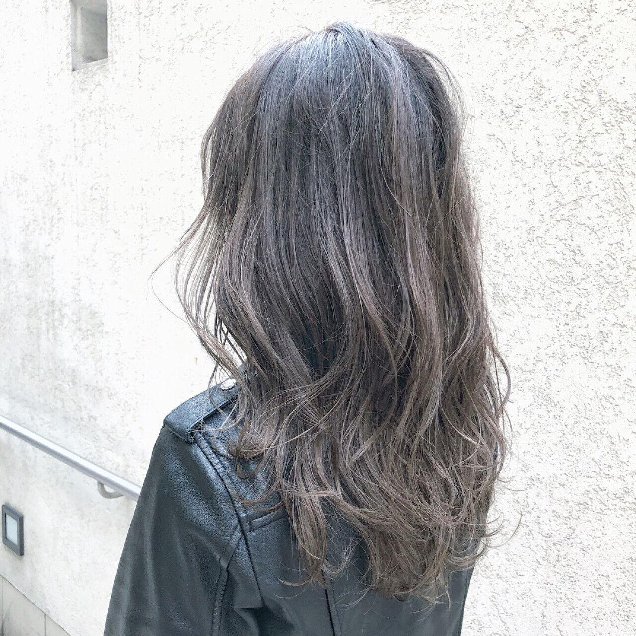 ロング アッシュ アンニュイ ストリートヘアスタイルや髪型の写真・画像
