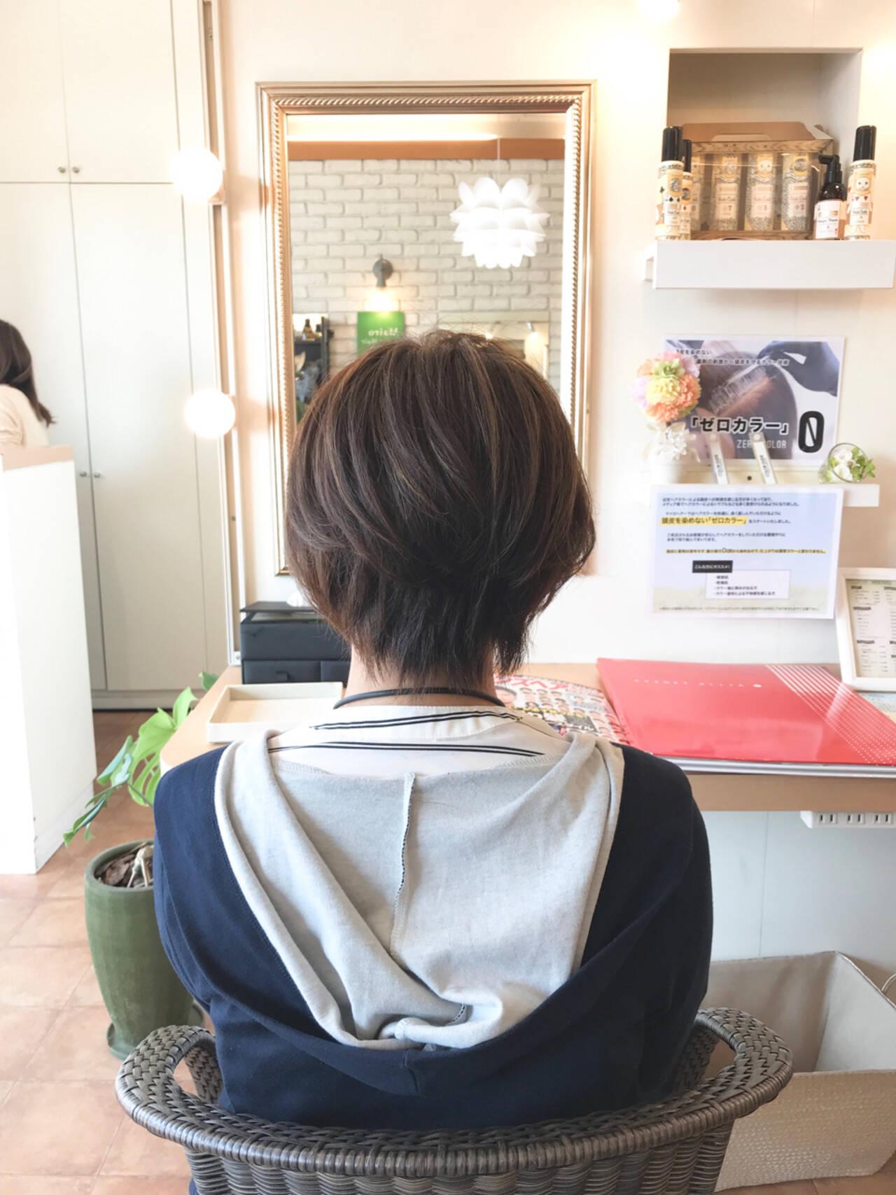 白髪染め 冬 大人女子 ナチュラルヘアスタイルや髪型の写真・画像