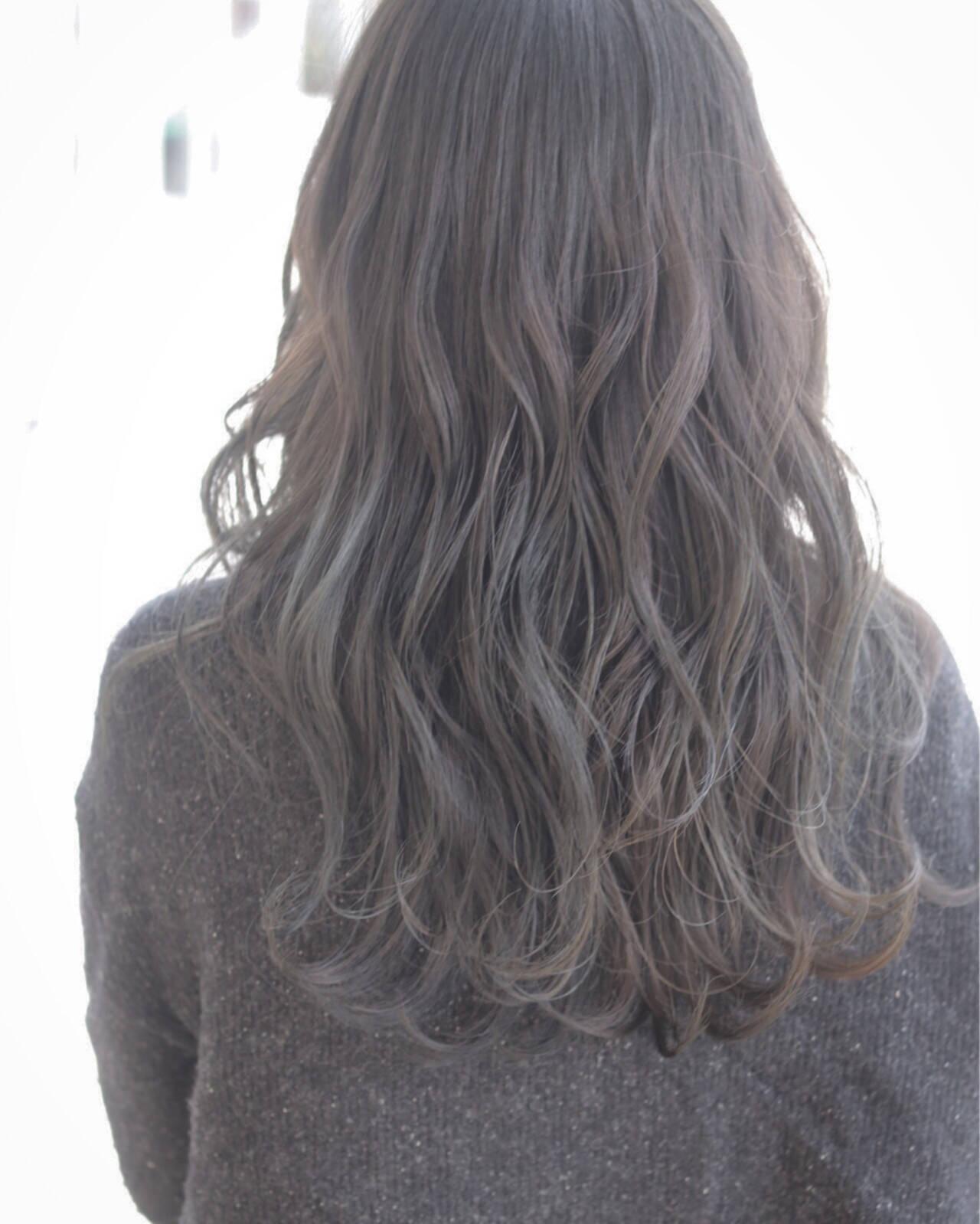 ミルクティー エアリー アッシュ ナチュラルヘアスタイルや髪型の写真・画像