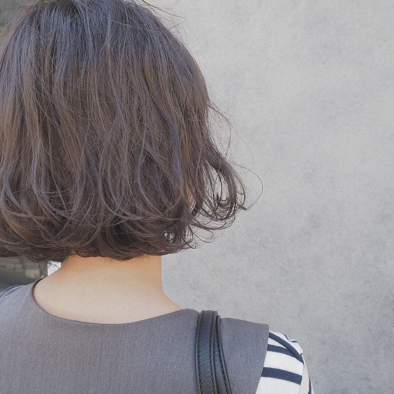 イルミナカラー ゆるふわ 波ウェーブ ボブヘアスタイルや髪型の写真・画像