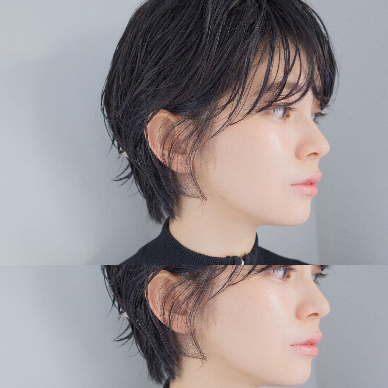 色気 センターパート ウルフカット 黒髪ヘアスタイルや髪型の写真・画像