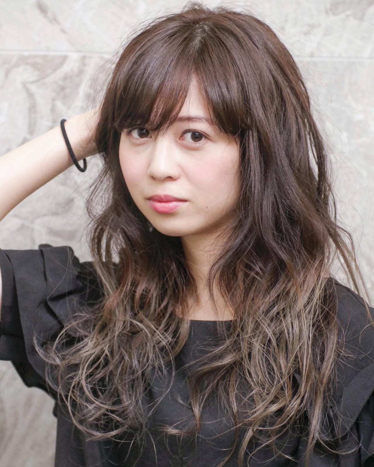 エレガント ロング 外国人風 グラデーションカラーヘアスタイルや髪型の写真・画像