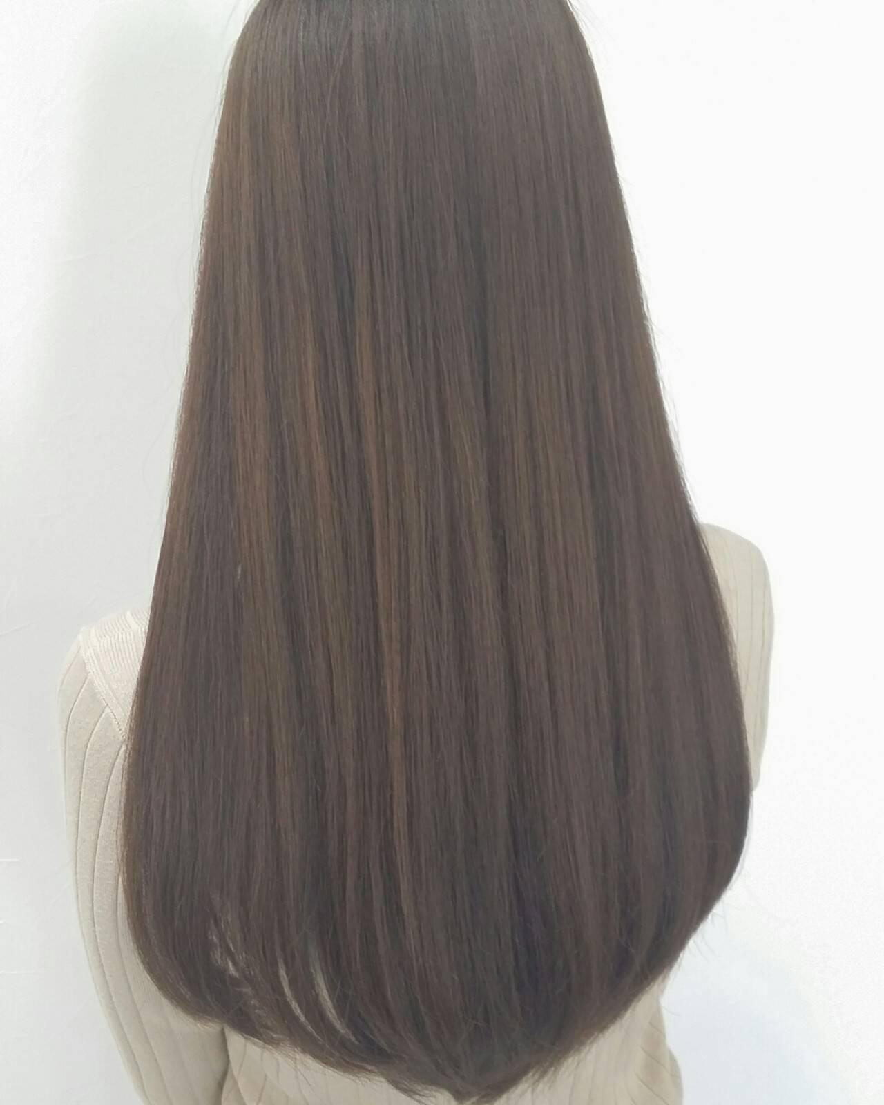 外国人風 アッシュ ロング イルミナカラーヘアスタイルや髪型の写真・画像