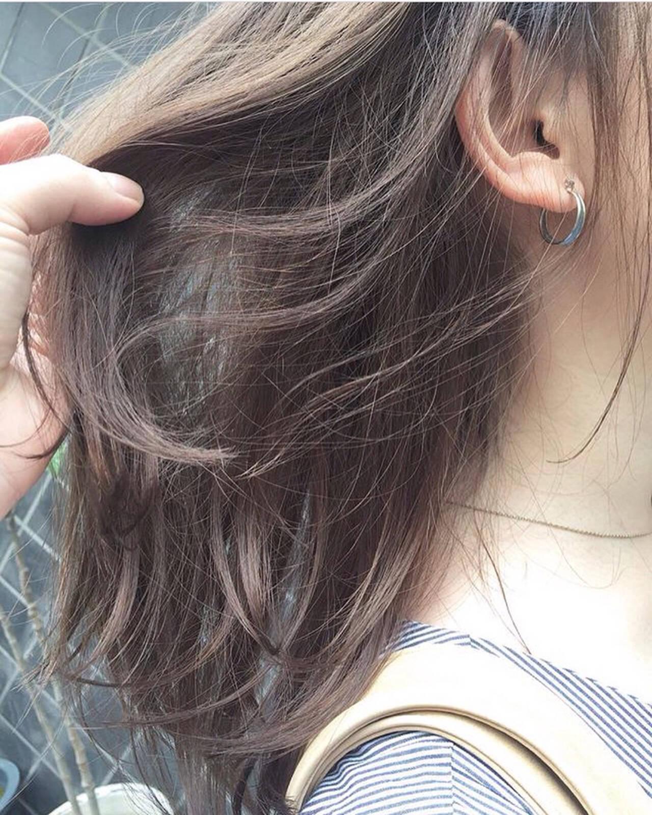 ヘアアレンジ デート 外ハネ オフィスヘアスタイルや髪型の写真・画像