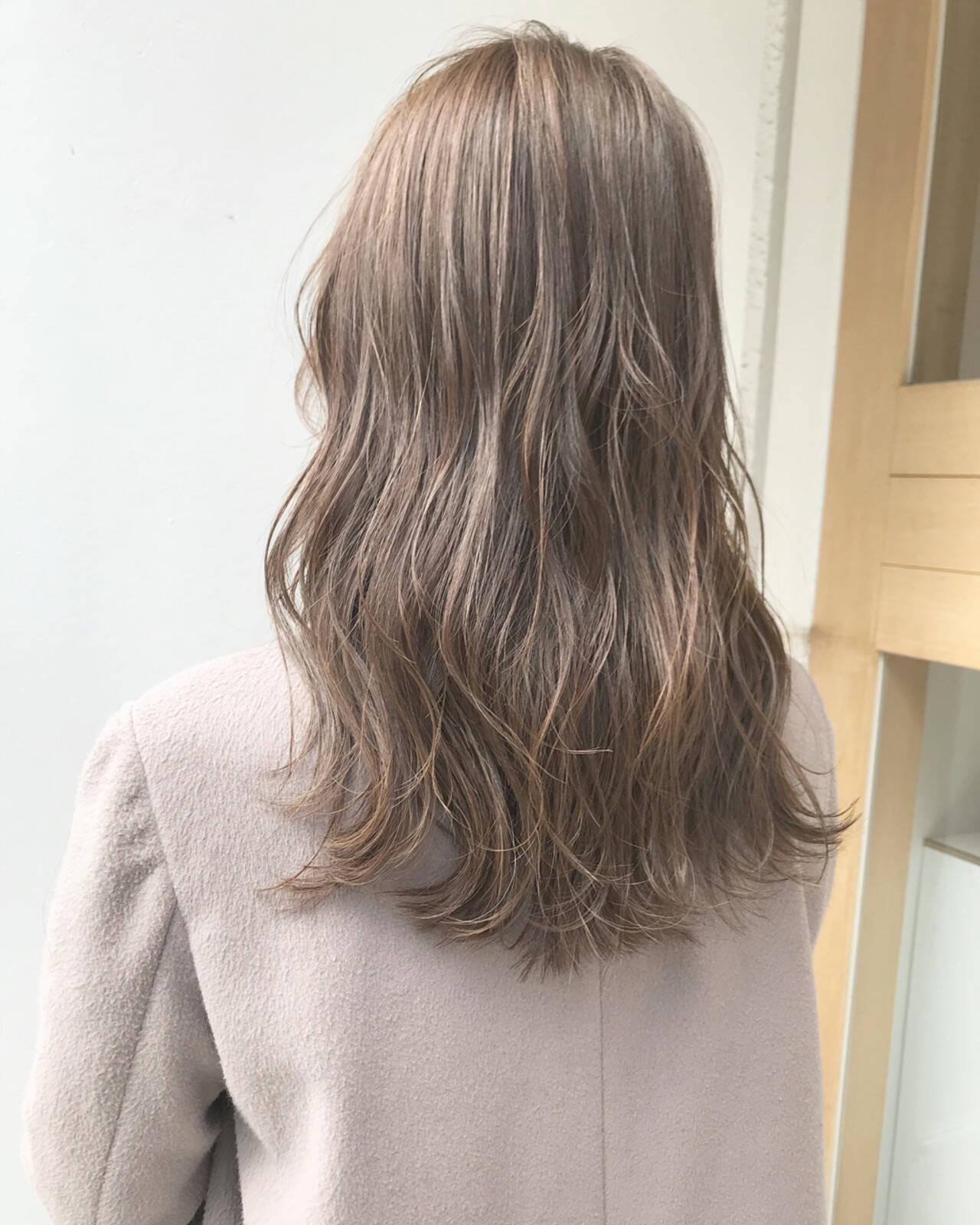 ナチュラル グレージュ セミロング ヘアアレンジヘアスタイルや髪型の写真・画像