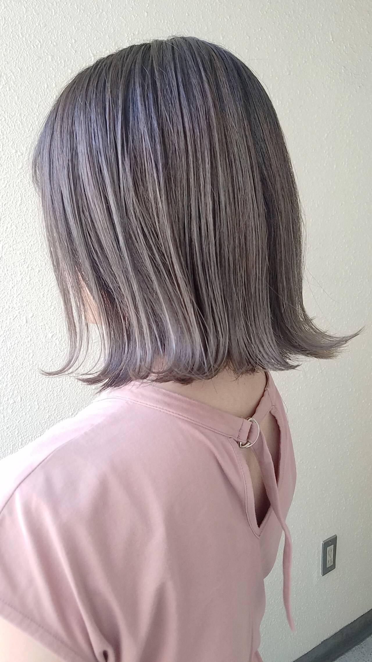 イルミナカラー ミディアム ストリート ミニボブヘアスタイルや髪型の写真・画像