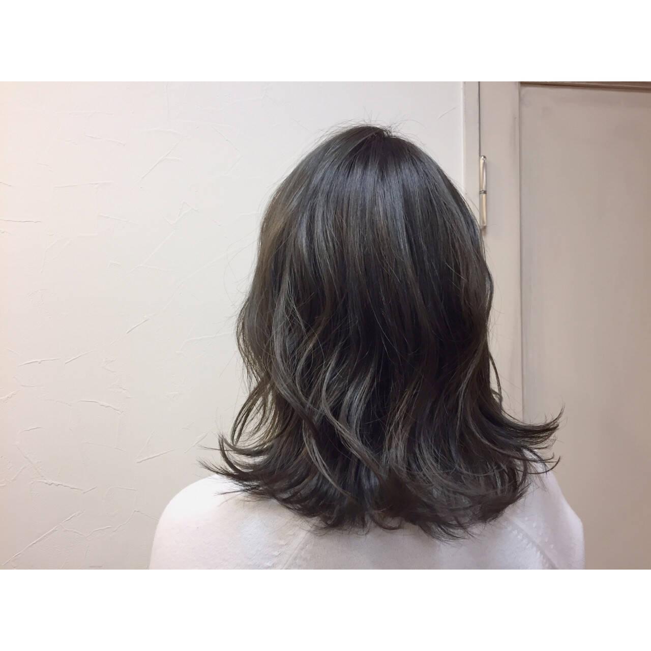 ナチュラル ハイライト グラデーションカラー アッシュヘアスタイルや髪型の写真・画像