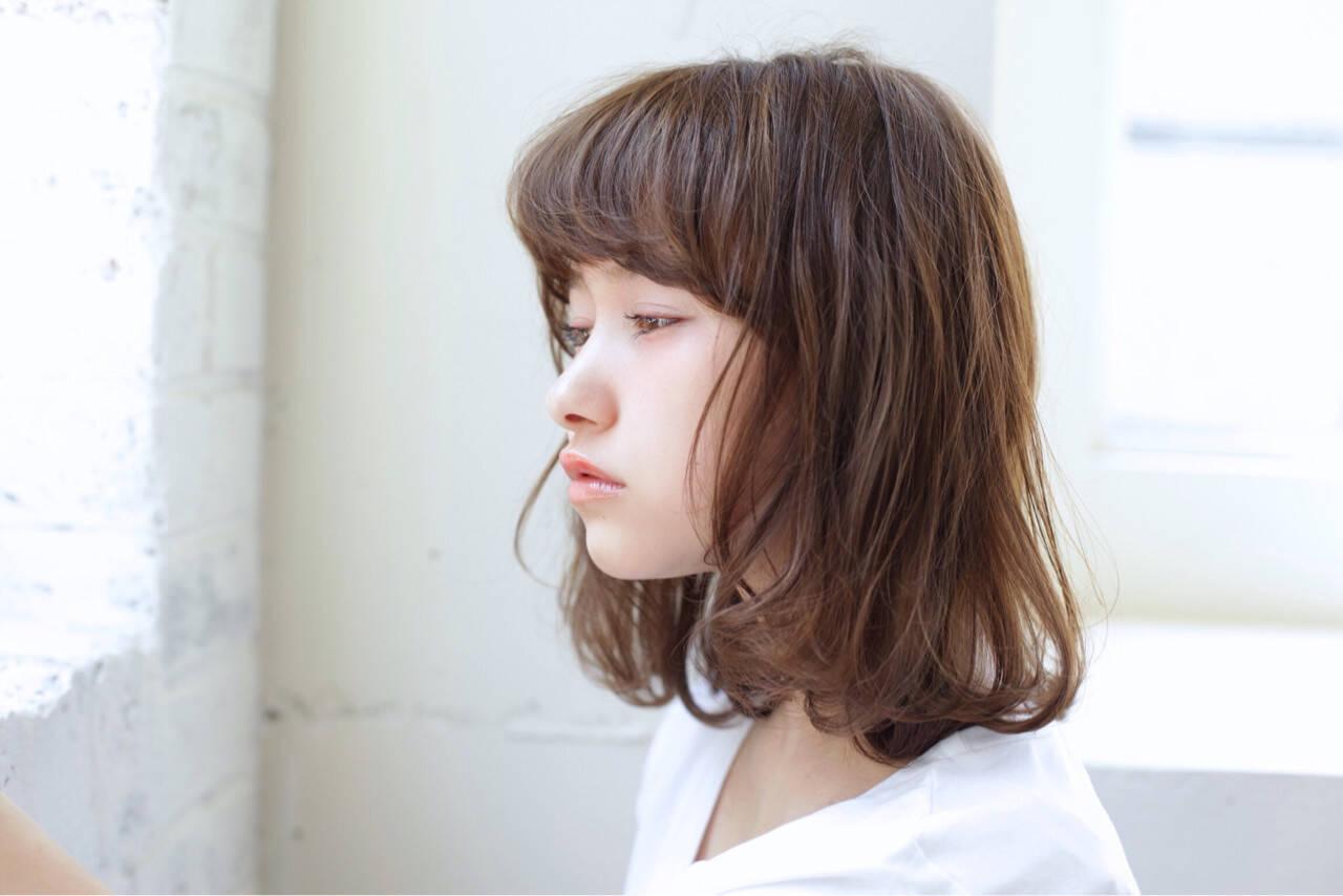ミディアム 女子会 リラックス アンニュイヘアスタイルや髪型の写真・画像