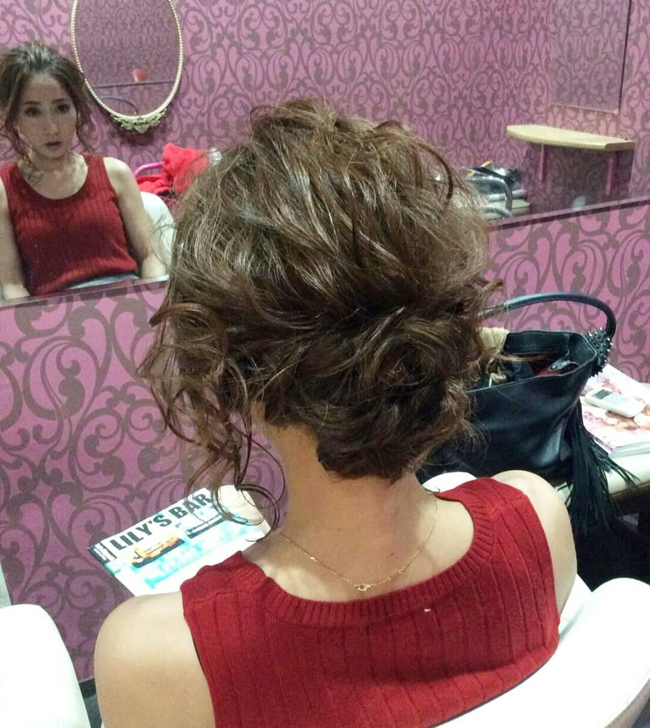 編み込み ミディアム ヘアアレンジ ポンパドールヘアスタイルや髪型の写真・画像