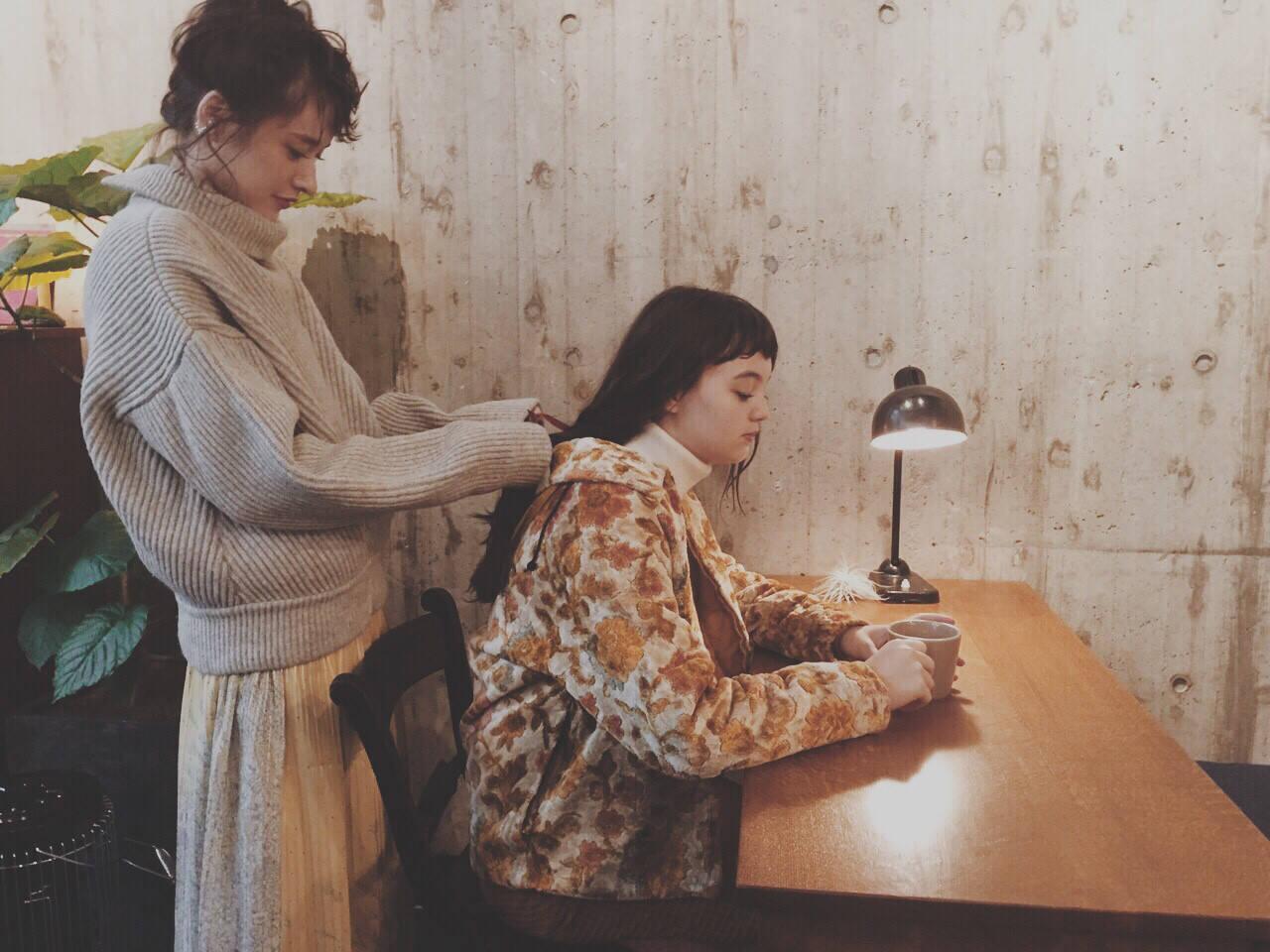 ミディアム 簡単ヘアアレンジ 前髪あり 大人かわいいヘアスタイルや髪型の写真・画像