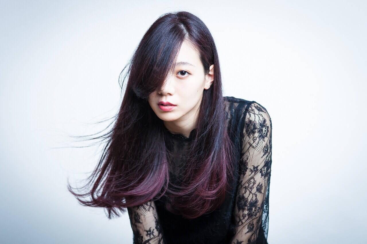 ロング 暗髪 パープル グラデーションカラーヘアスタイルや髪型の写真・画像