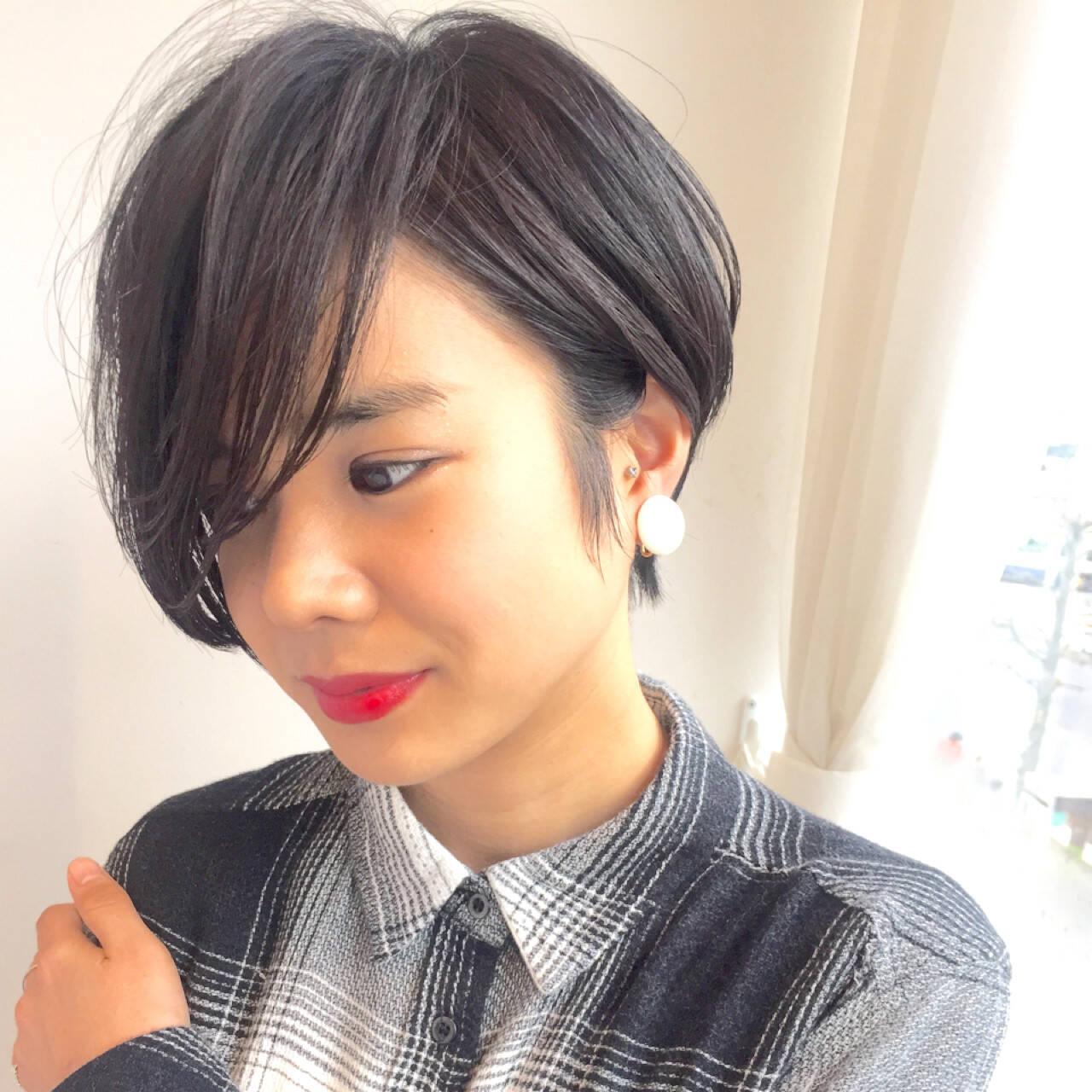 ボーイッシュ 暗髪 うざバング 黒髪ヘアスタイルや髪型の写真・画像