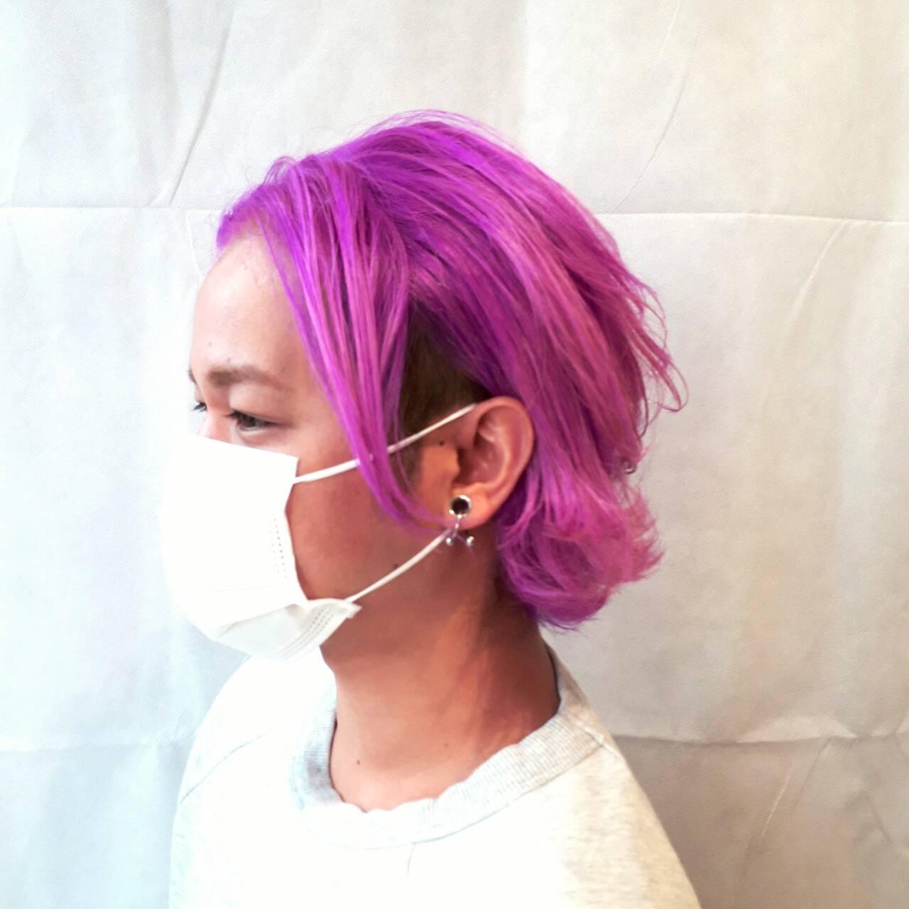 ボーイッシュ ネオンカラー ストリート カラーバターヘアスタイルや髪型の写真・画像