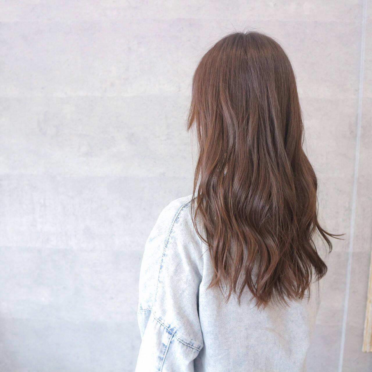 艶髪 ウェーブ デート アンニュイヘアスタイルや髪型の写真・画像