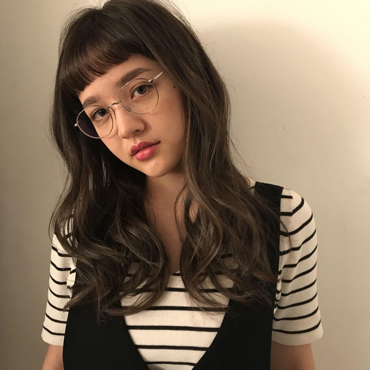 アンニュイほつれヘア ラフ ロング ナチュラルヘアスタイルや髪型の写真・画像