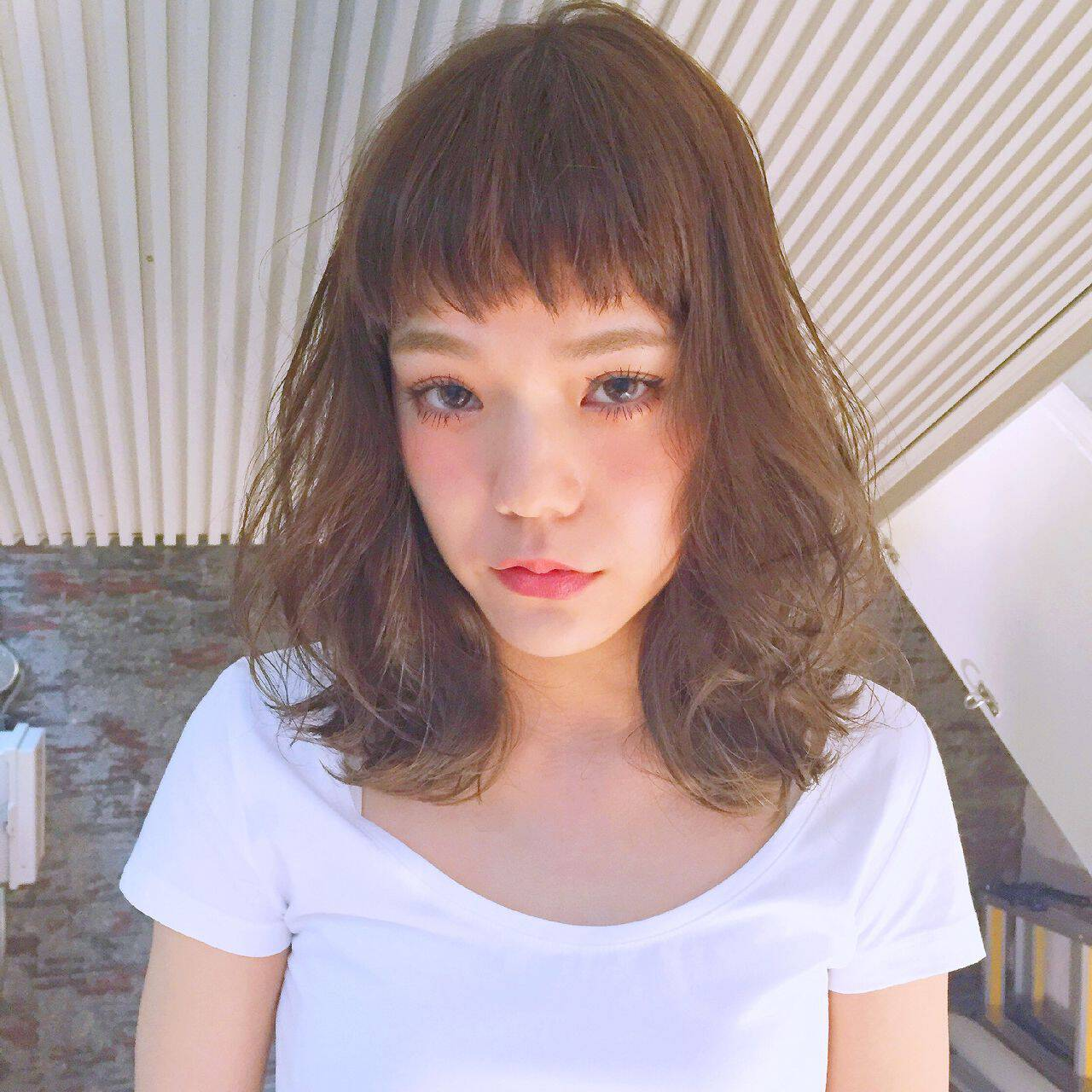 愛され グラデーションカラー ゆるふわ ミディアムヘアスタイルや髪型の写真・画像