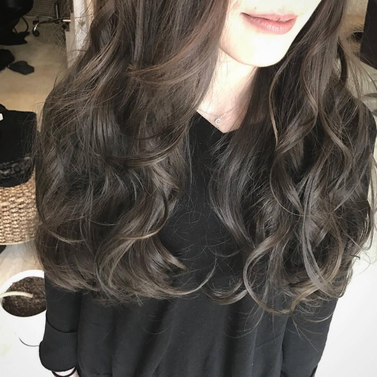 ロング アッシュ 巻き髪 外国人風ヘアスタイルや髪型の写真・画像
