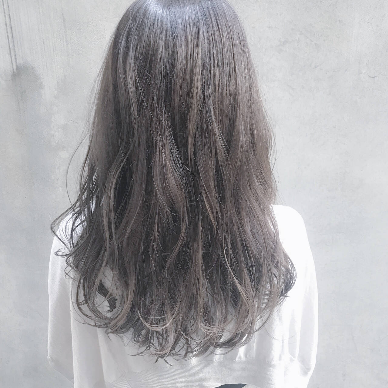 ロング イルミナカラー デート 透明感ヘアスタイルや髪型の写真・画像