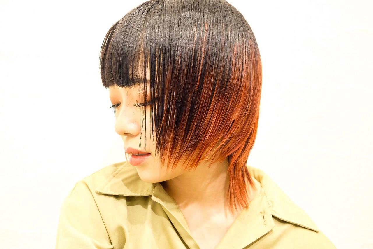 レッドカラー モード ショート ウルフカットヘアスタイルや髪型の写真・画像