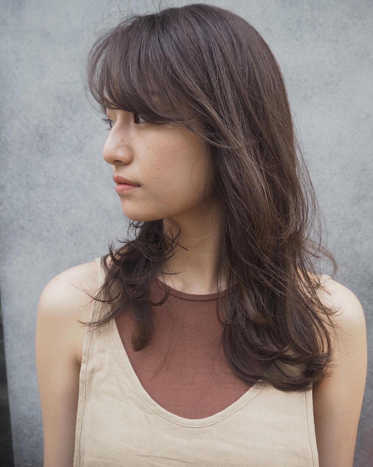 ナチュラル レイヤースタイル 3Dハイライト ロングヘアスタイルや髪型の写真・画像