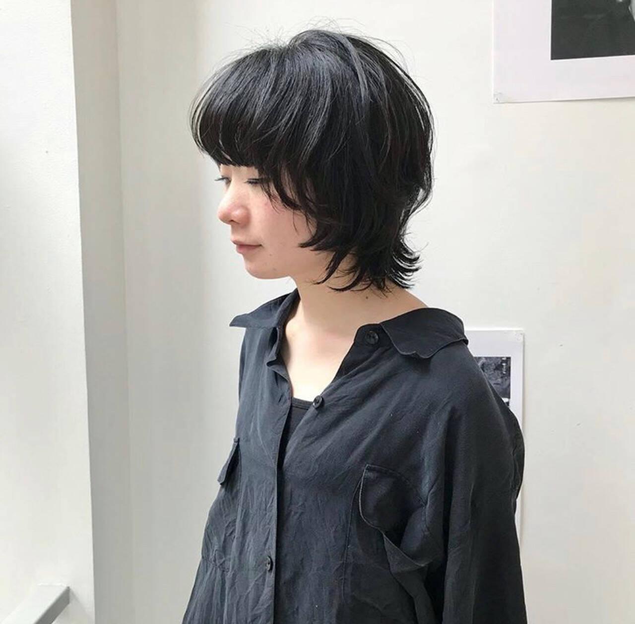 マッシュウルフ ウルフ女子 黒髪 ボブヘアスタイルや髪型の写真・画像