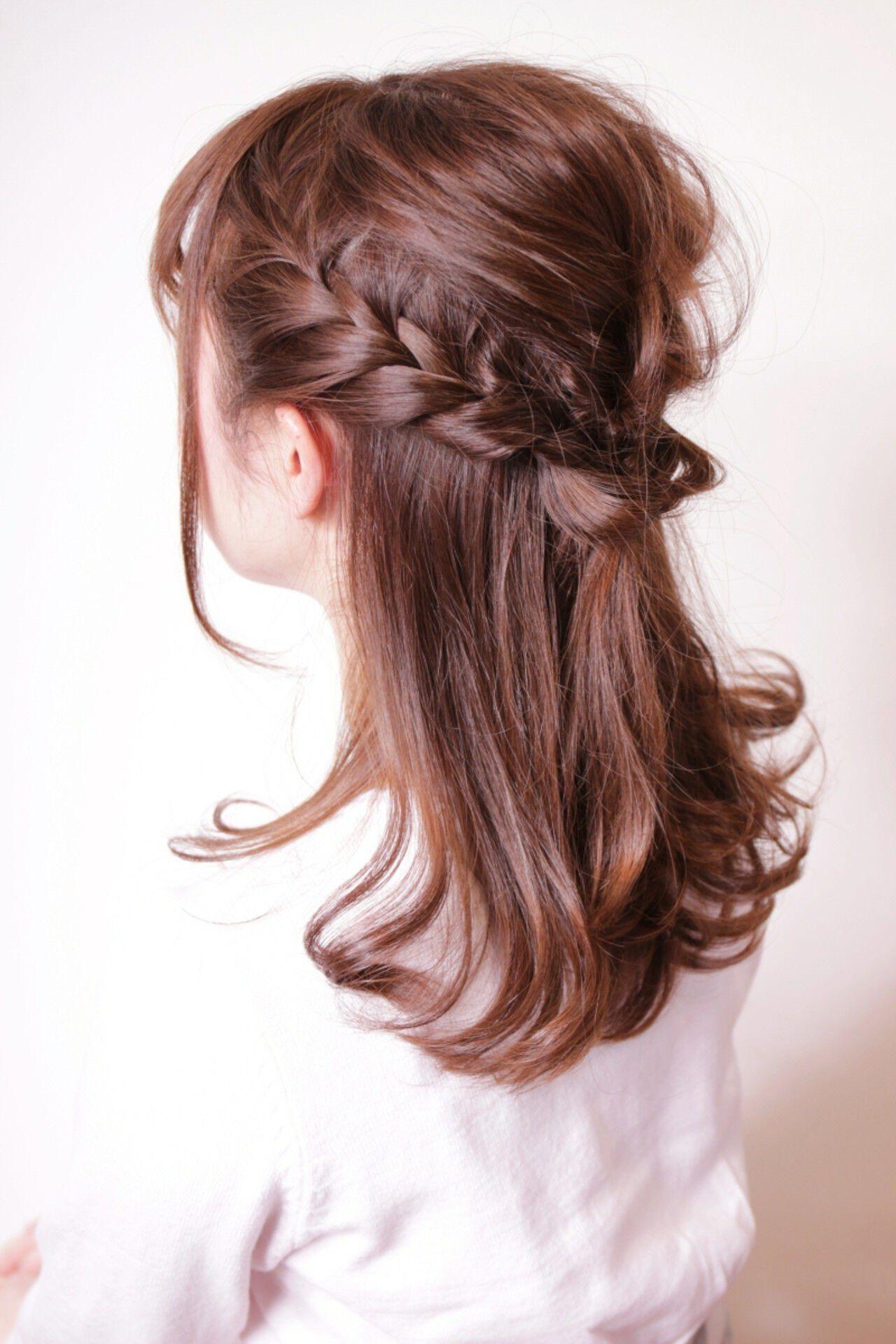 編み込み ミディアム ハーフアップ リラックスヘアスタイルや髪型の写真・画像