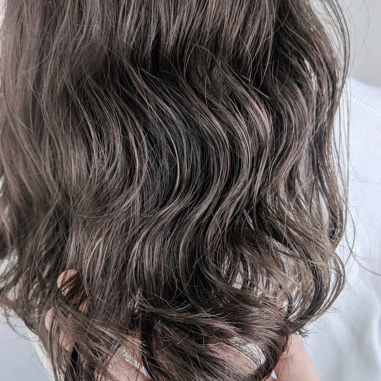 ウェーブ ナチュラル ロング 透明感ヘアスタイルや髪型の写真・画像