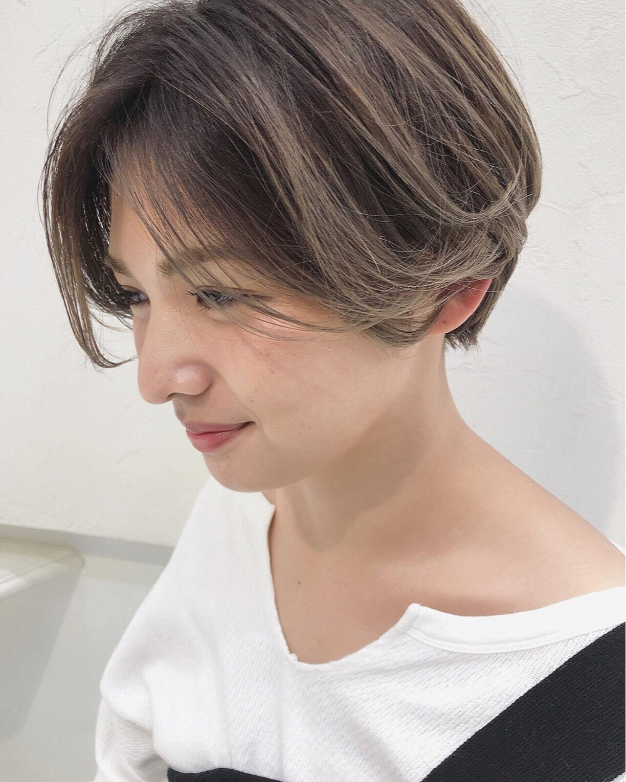 ストリート 3Dカラー アッシュベージュ ショートヘアスタイルや髪型の写真・画像