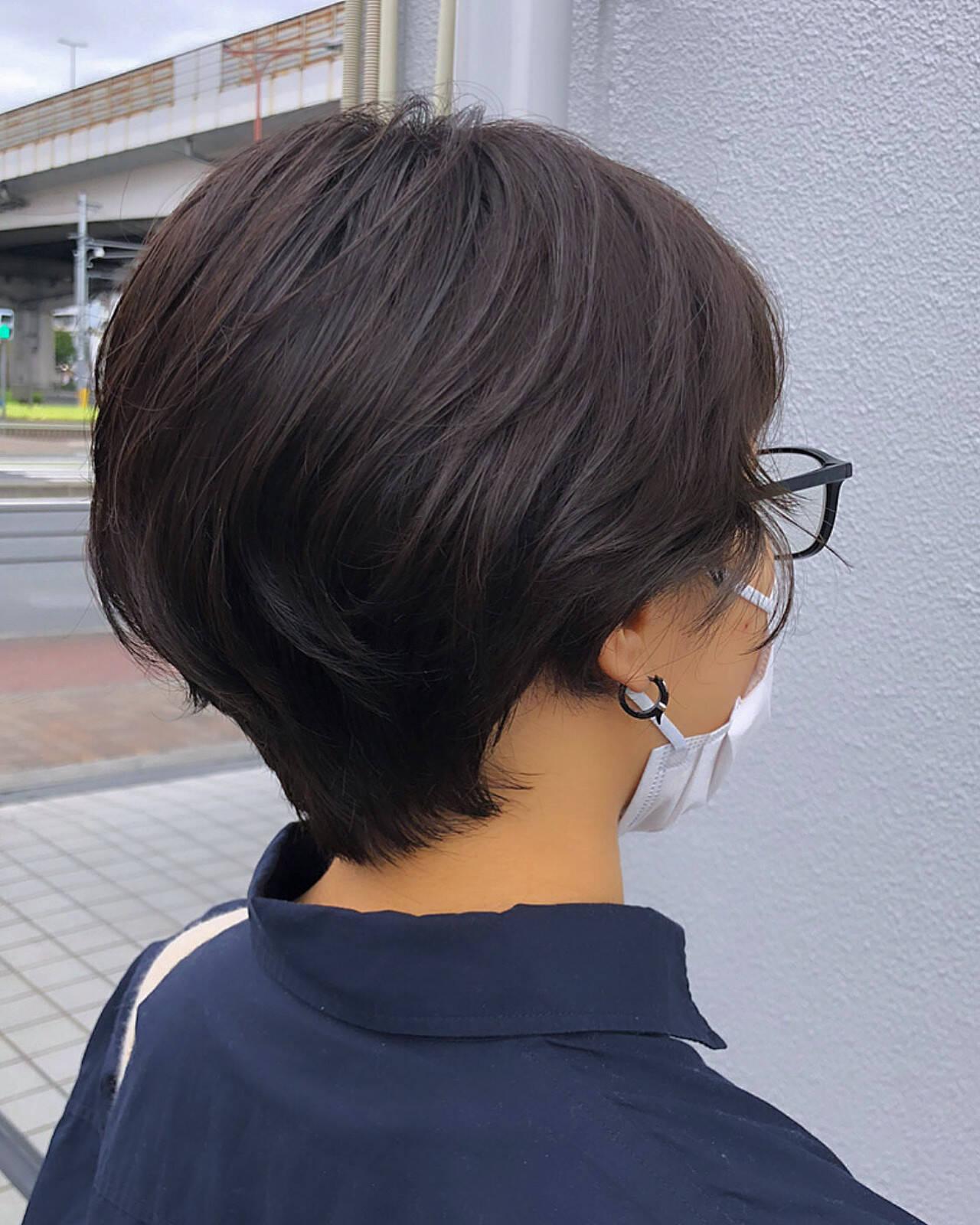 小顔ショート ナチュラル ショート ハンサムショートヘアスタイルや髪型の写真・画像