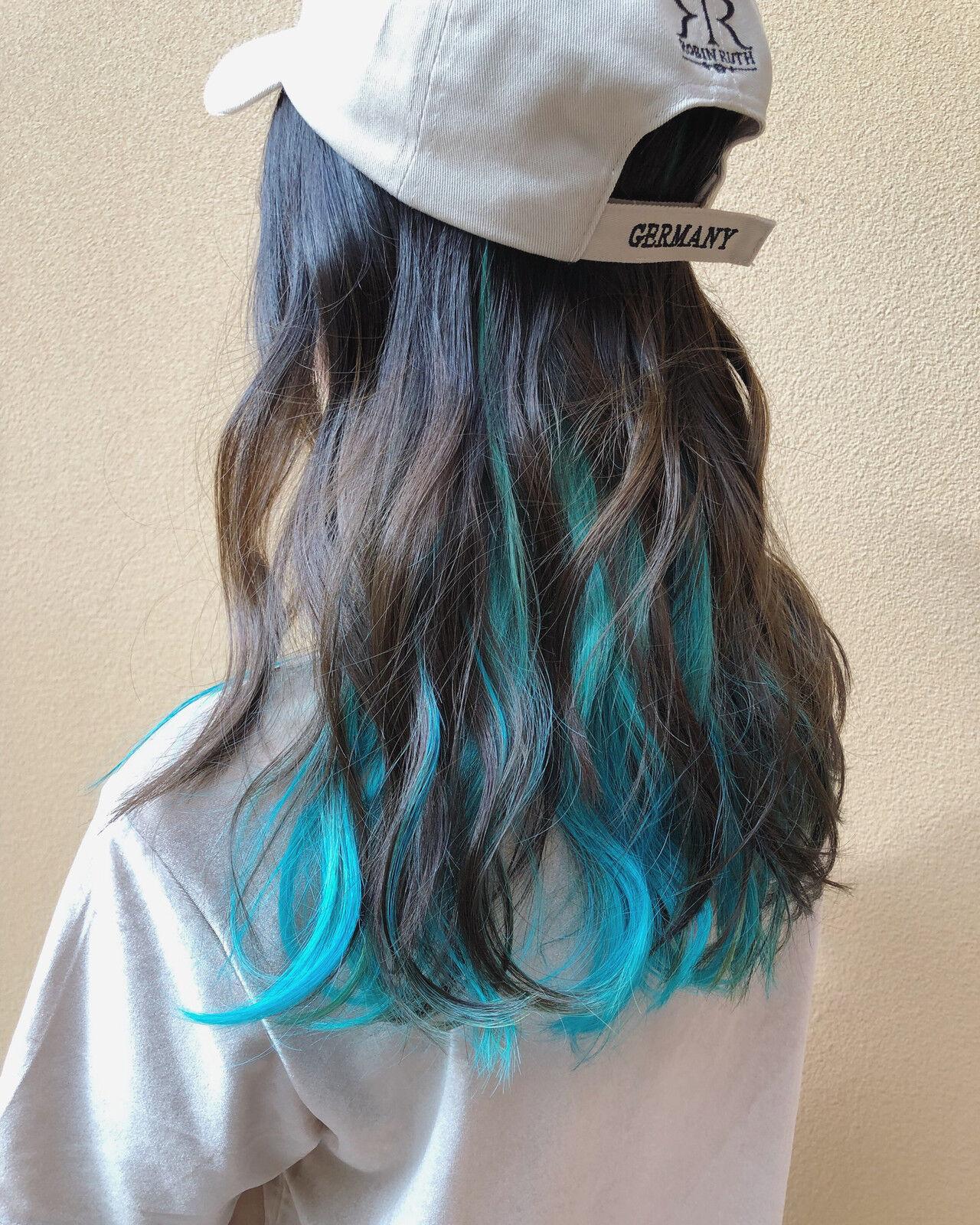 セミロング インナーカラー ストリート クールヘアスタイルや髪型の写真・画像