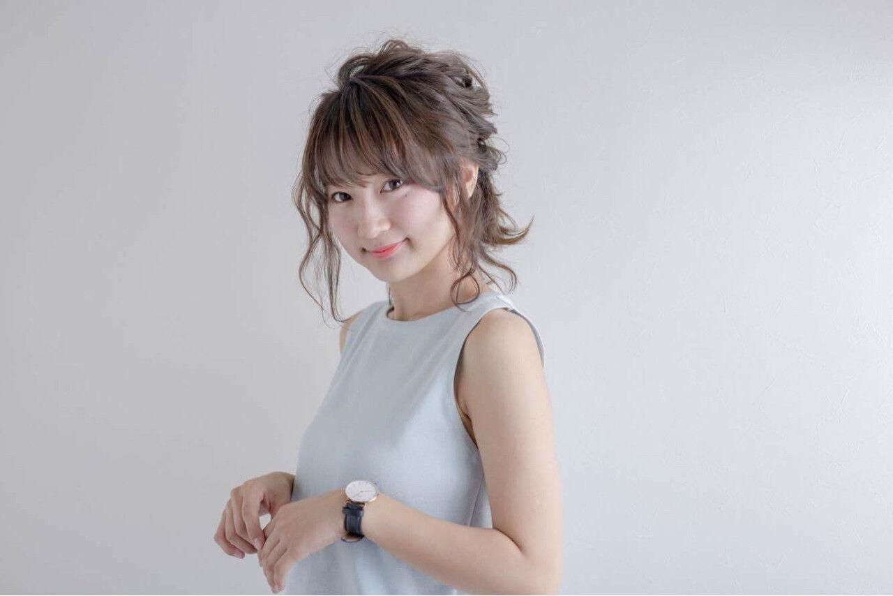 ハーフアップ アッシュ ミディアム ヘアアレンジヘアスタイルや髪型の写真・画像