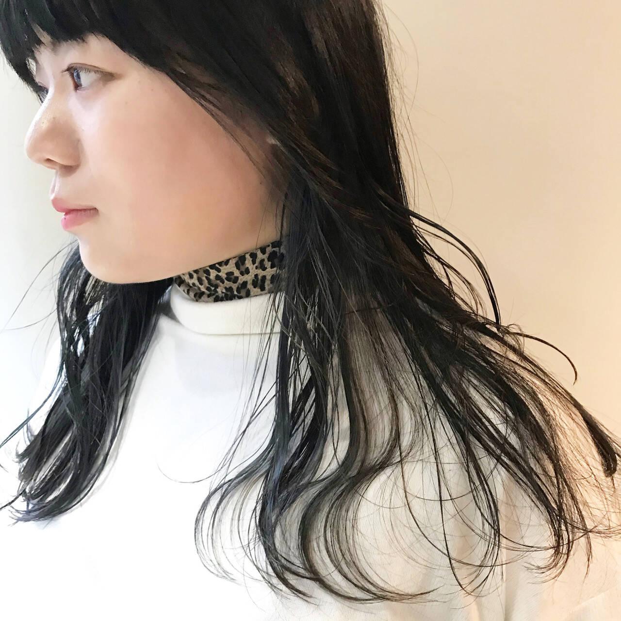 ネイビー ネイビーアッシュ ネイビーカラー ロングヘアスタイルや髪型の写真・画像
