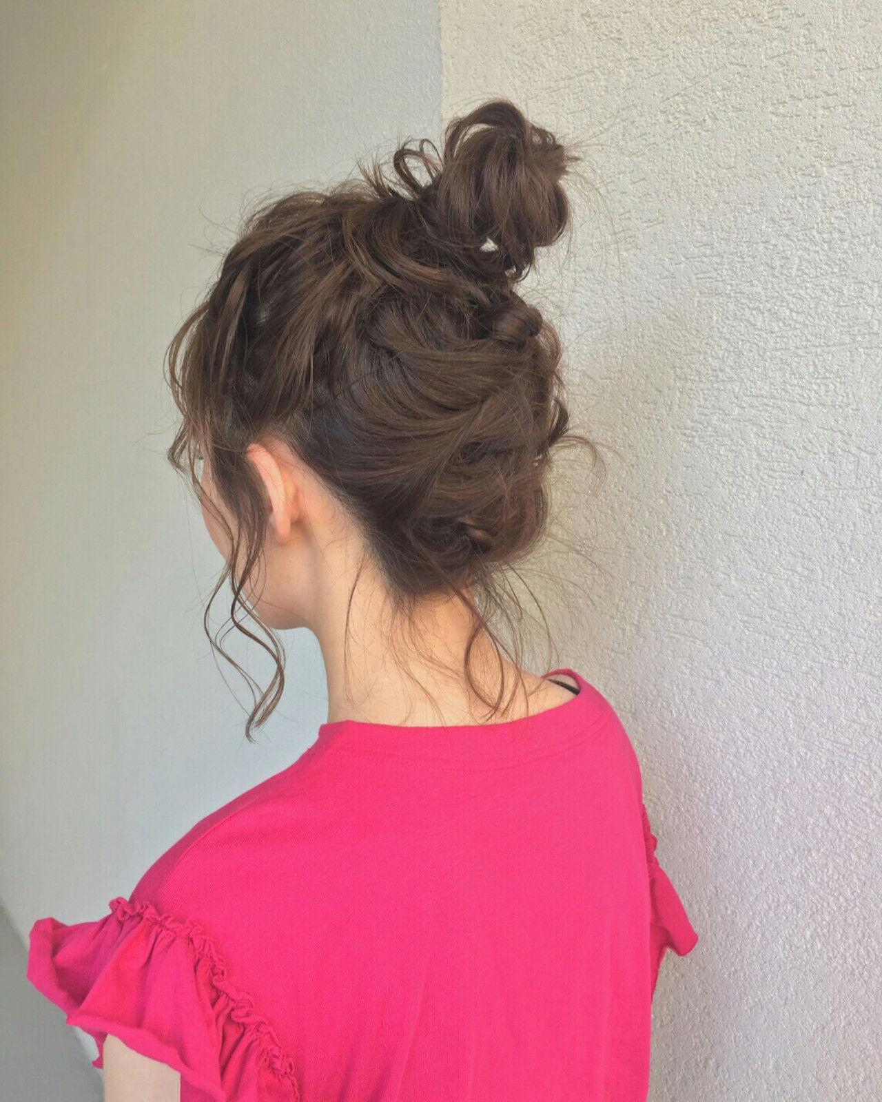 ガーリー 簡単ヘアアレンジ セミロング アウトドアヘアスタイルや髪型の写真・画像