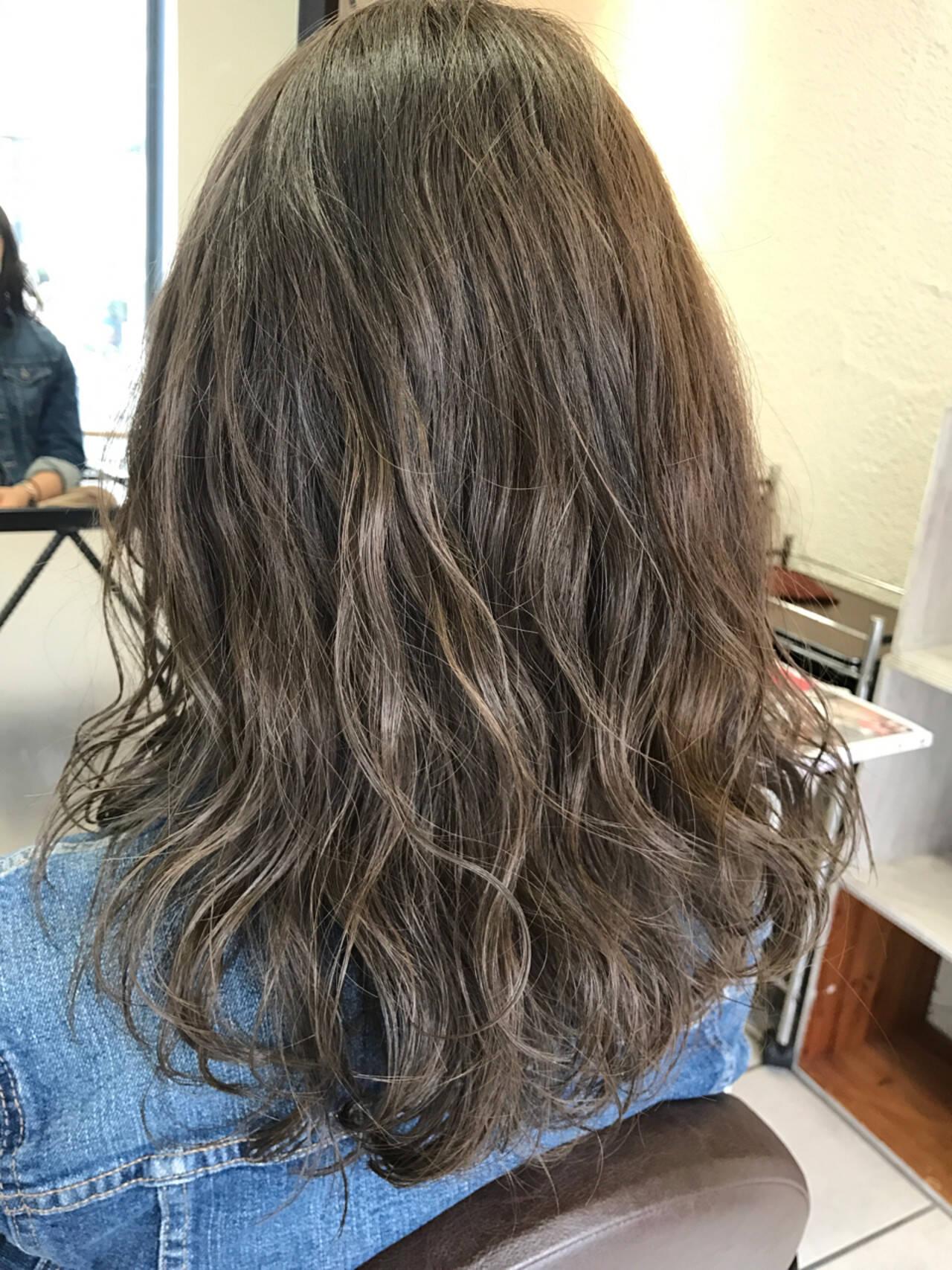 デート 透明感 セミロング ハイライトヘアスタイルや髪型の写真・画像